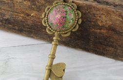 Wisior klucz - prawdziwy kwiat