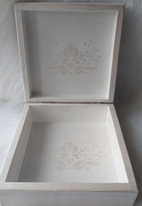 uniwersalna szkatułka z aniołkiem retro  - wnętrze