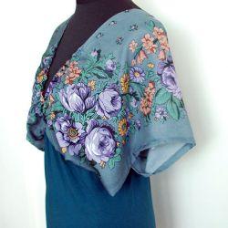 Szara kimonowa bluzka w kwiaty
