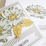 Kartka UNIWERSALNA - popielato-szare kwiaty - Kartka z popielato-szarymi kwiatami