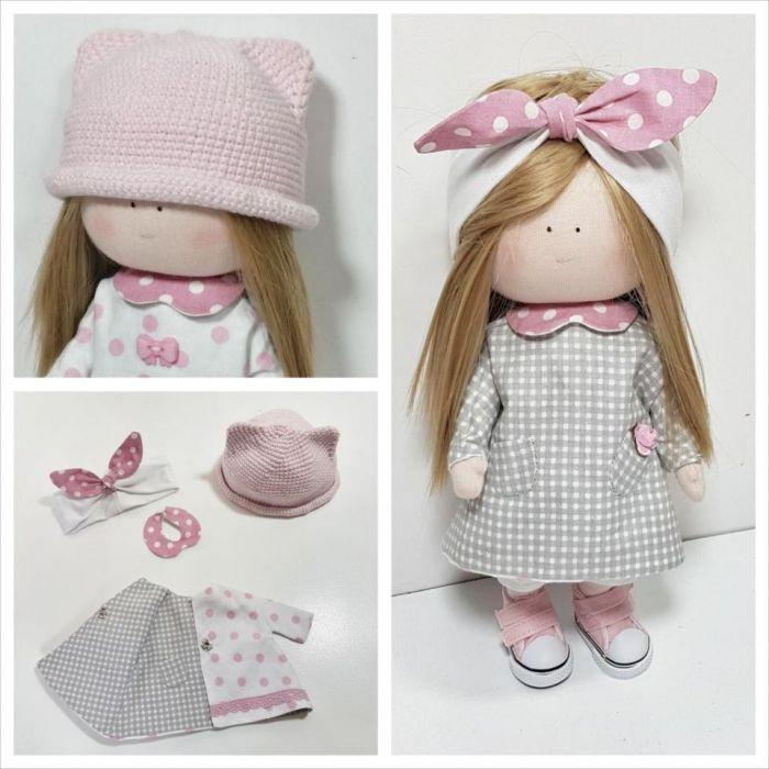 Lalka z ubrankami, lalkę można przebierać