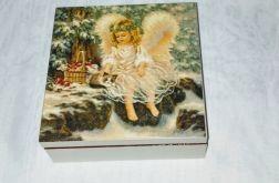 Skrzynka z aniołkiem