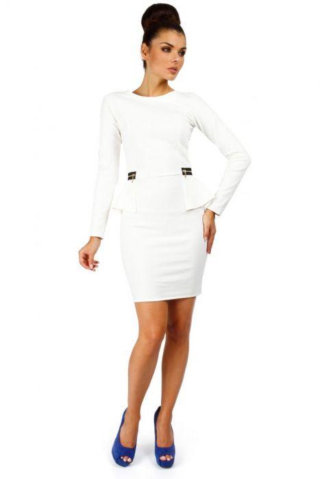 f5e44cb576 Ołówkowa sukienka z baskinką ecru - TheCover moda damska
