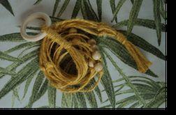 Unikatowy kwietnik makrama juta żółty boho mini