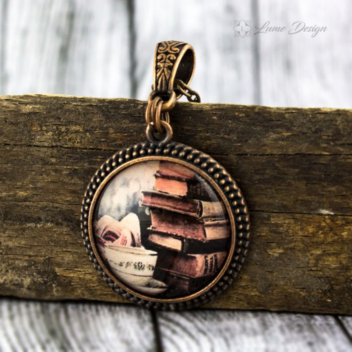 Szklany medalion - Książki