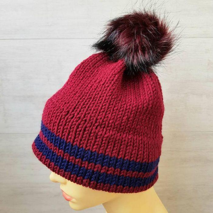 Bordowa czapka z podwójnym rondem - zimowa czapka