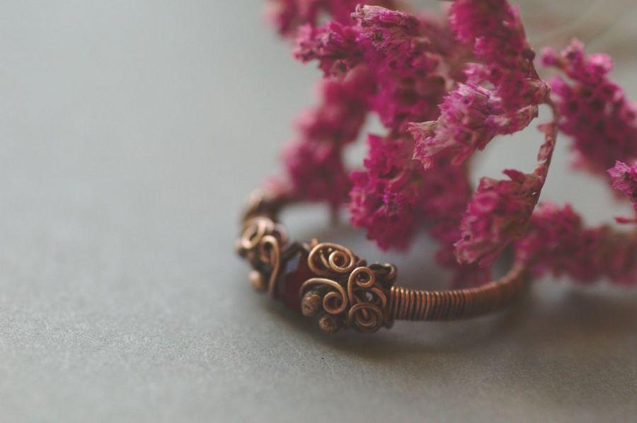 Alina - pierścień z szklanym kryształkiem