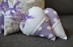 Dwa fioletowe romantyczne serduszka