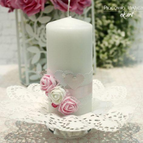 Świeca dekoracyjna z różami