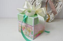 Exploding box pastelowo-złoty