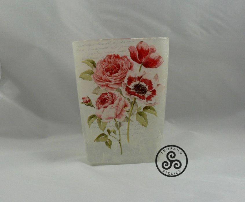 Wazon z czerwonymi kwiatami - teofano atelier, decoupage