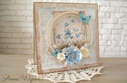 Wiosenne blue z motylkiem
