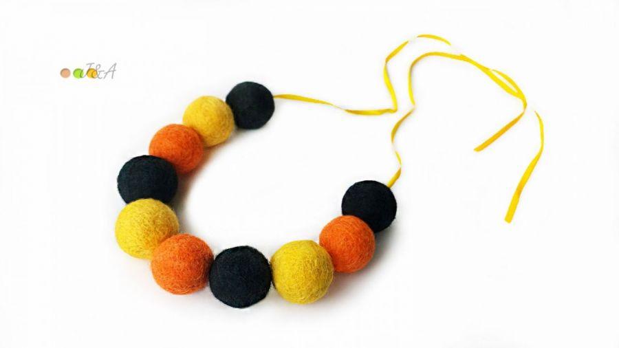 Korale z filcu czarno żółte filc Hand Made