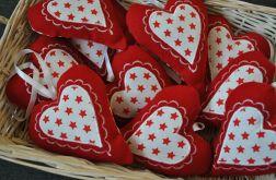 Skandynawskie serce z czerwonego filcu