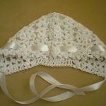 Biała czapeczka