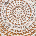szydełkowa serwetka okrągła kremowa