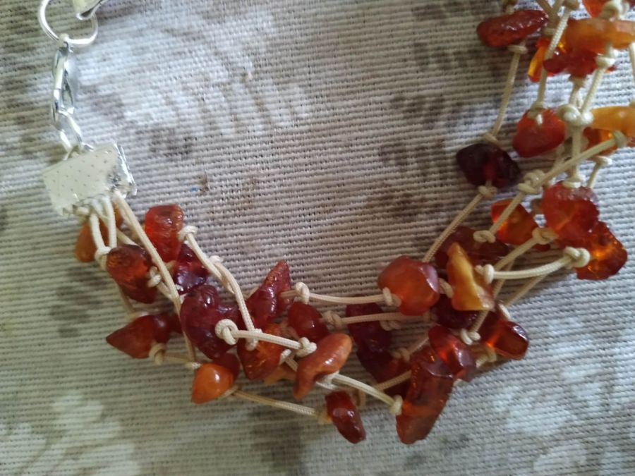 """Bransoletka""""Amber"""" ze sznurka i bursztynu - bransoletka z zapięciem"""