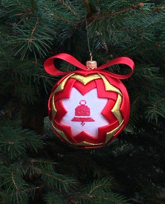 Bombka haft dzwonek czerwona złota na Prezent