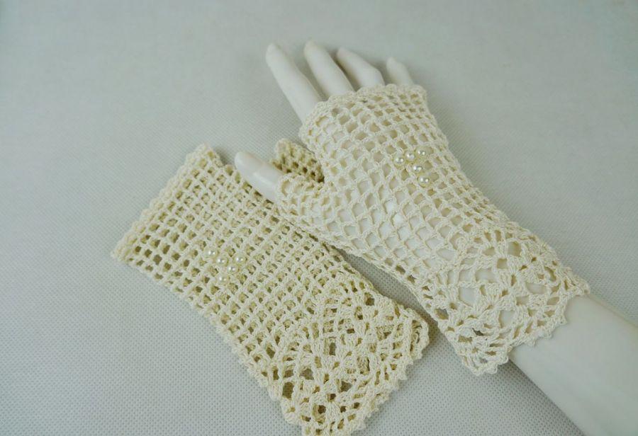 Romantyczne rękawiczki ecru 01