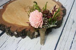 Butonierka zieleń brodo pudrowy róż