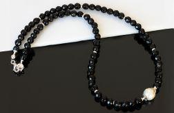 Czarno-biały naszyjnik