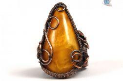 Bursztyn, Miedziany pierścionek z bursztynem
