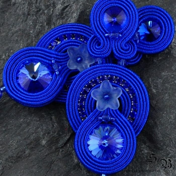 Kobaltowe kolczyki sutasz z chwostami