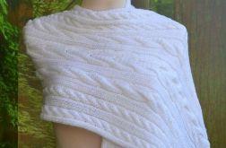 Długi biały szal ;O)