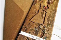 Kartka Ślubna z Młodą Parą-motyw drewna