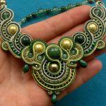 Kolia sutasz Zielono-Złota z Jadeitami