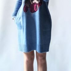 Sukienka oversize z kieszeniami 010