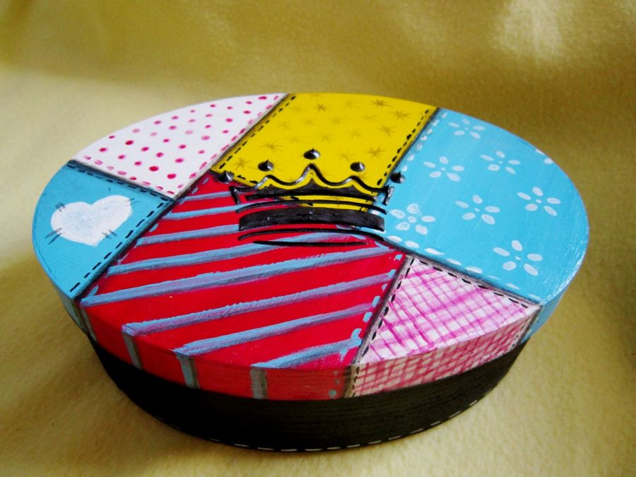 Owalne pudełko patchworkowe