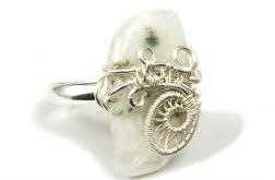 Srebrny pierścionek z agatem mszystym 11-15