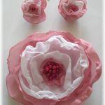 Elegancki kwiat do włosów i kolczyki Ślub