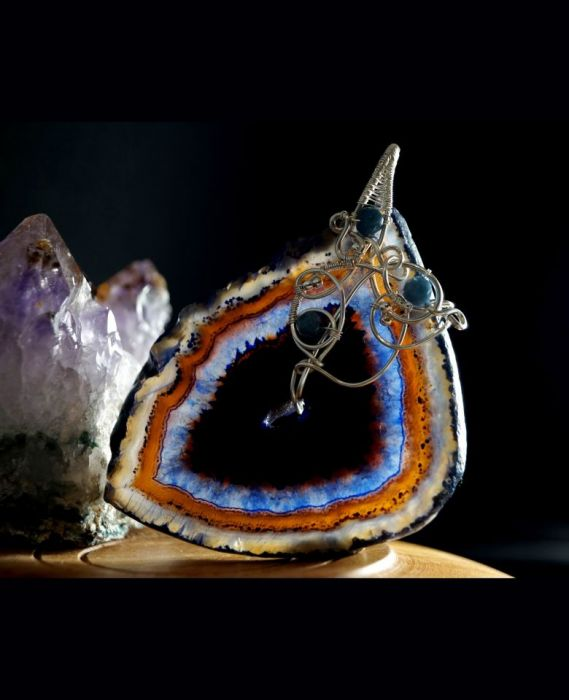 Agat, srebrny wisior z plastrem agatu blue