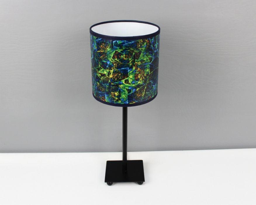 Ciemnozielona lampa stojąca sEN kOSIARZA 6 S - Inspirująca w dzień i w nocy.