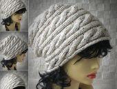 Beżowa zimowa czapka wykonana ręcznie