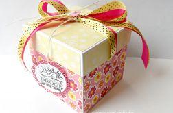 Pudełko, kartka ślubna różowa z gołąbkami