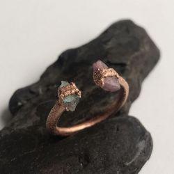 Miedziany pierścionek z labradorytem