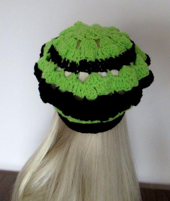Ażurowy beret na wiosnę - czerń i zieleń