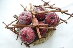 Czerwone jabłka z cynamonem II