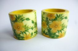 Swieczniki drewniane w żółte kwiaty