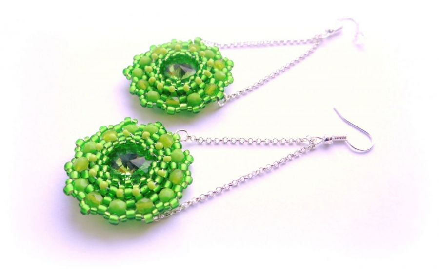 Koralikowe huśtawki kolczyki zielone lime