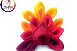 Broszka z filcu - tęczowy kwiat