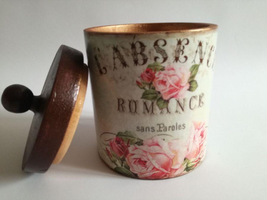 Romantyczny pojemnik