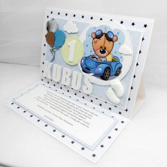 Kartka dla chłopca urodziny z misiem UDP 043 - Kartka dla chłopca roczek urodziny z misiem w aucie urocza stojąca (3)