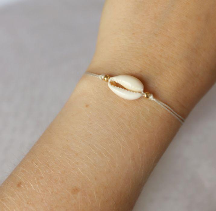 Bransoletka na sznureczku z kauri - Dobra bransoletka z kauri