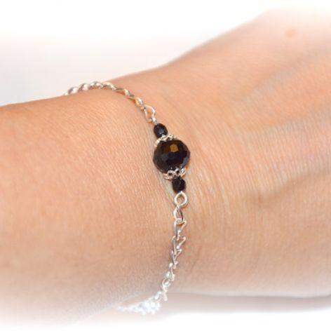 bransoletka celebrytka z czarnym kryształkiem