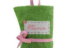 zielony ręcznik do przedszkola z imieniem