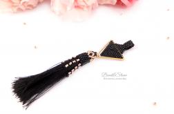 Elegancki wisior z czarnym chwostem